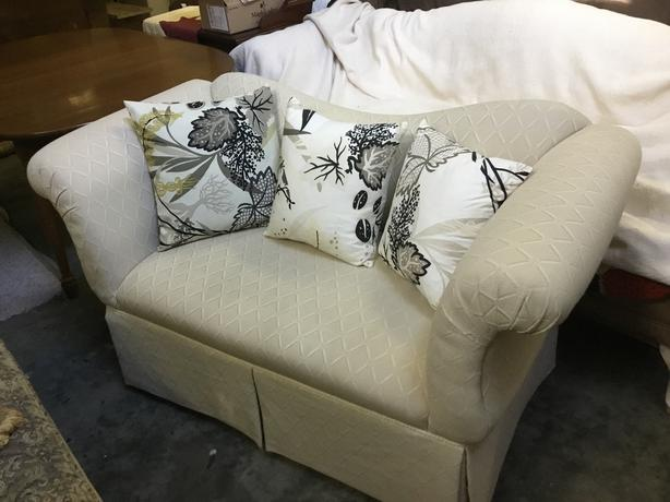 loveseat top quality. with beautiful down pillows