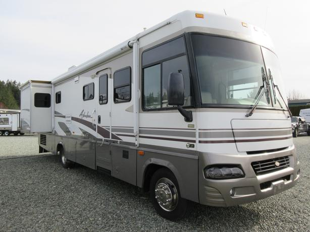 2003 Adventurer 33V STK# DP03C689