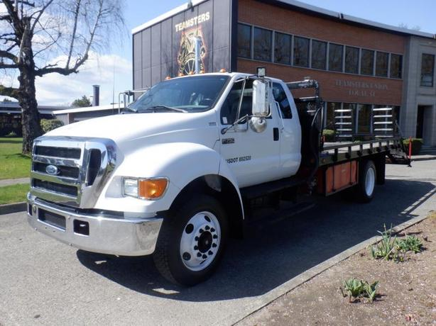 2005 Ford F-750 Super Cab Flat Deck 15 Foot Diesel With Hydraulic Brakes