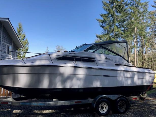 1978 Sea Ray Express 26 ft with trailer