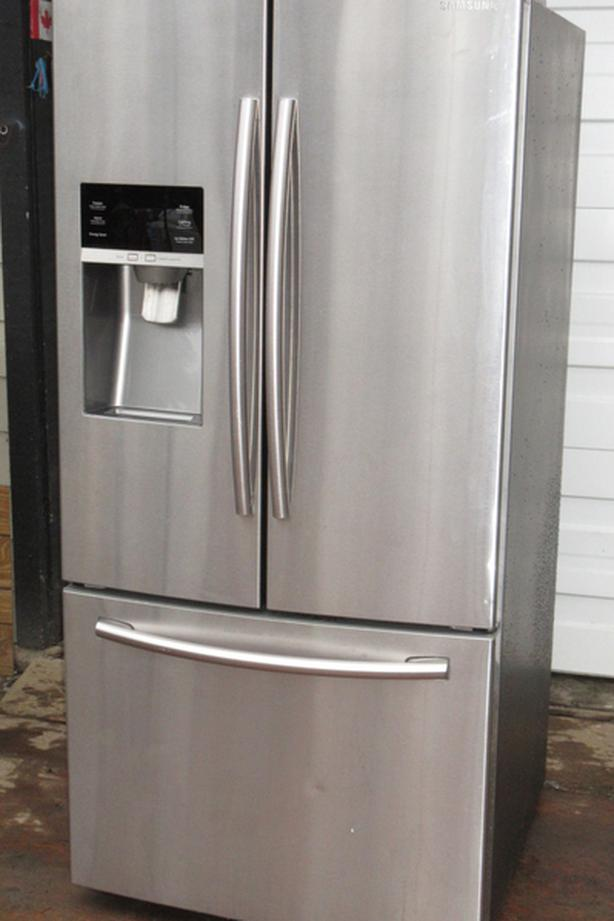 Samsung French Door Fridge - Excellent condition - Stainless Steel