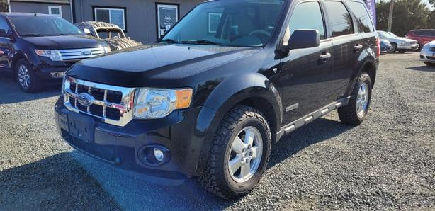 2008 Ford Escape 4X4 fully loaded Black Creek Motors