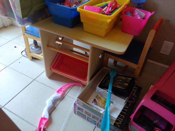 Small kids activity table