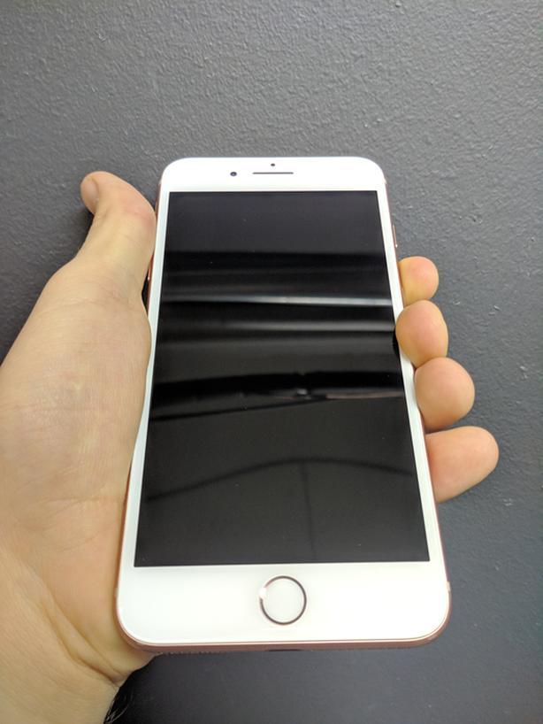 iPhone 8 Plus 128 GB unlocked