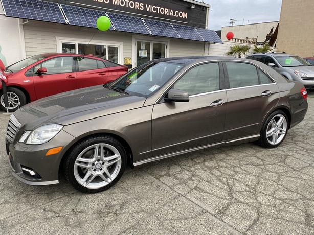 2011 Mercedes-Benz E350   4MATIC!!