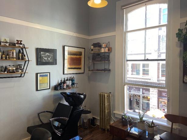 Private studio Chair Rental