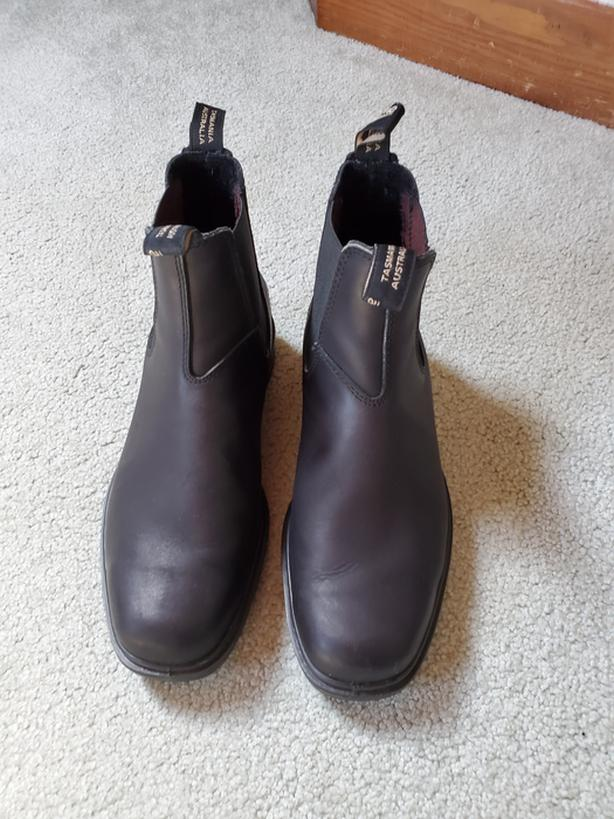 New Chisel Toe Blundstones, 9.5, Fit as 11!