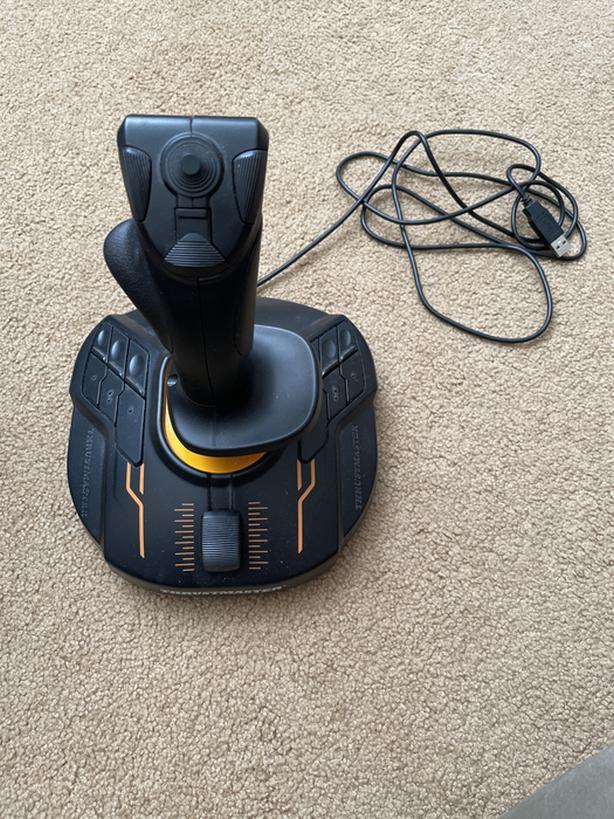Thrust master T16000M Joystick