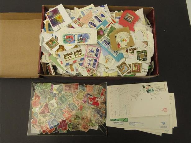 one lot of stamps - Nederland