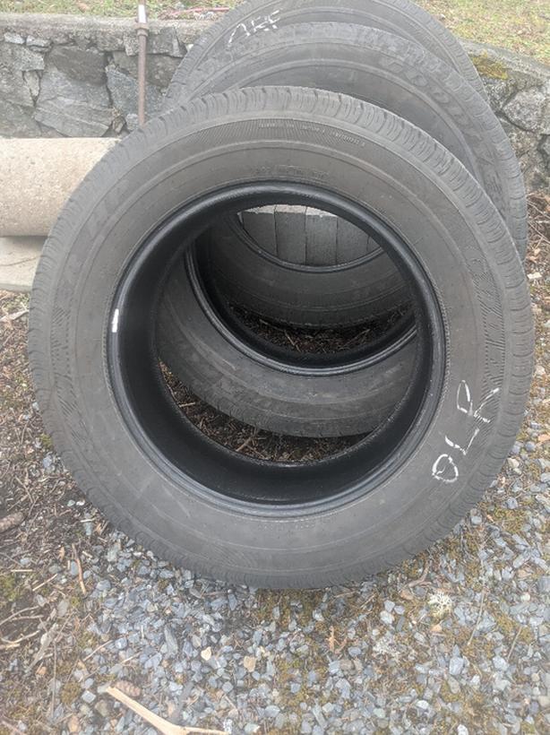 3 stock tires of 2014 Dodge Hemi OBO