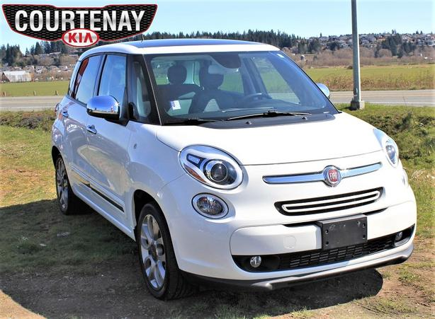 2015 FIAT 500L Lounge w/Back-Up Camera - White
