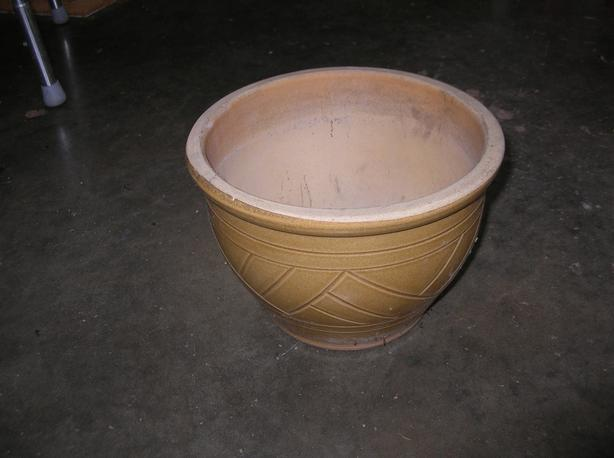 Ceramic Flower Pot 11 w by 8 h inches.  (240 0904)