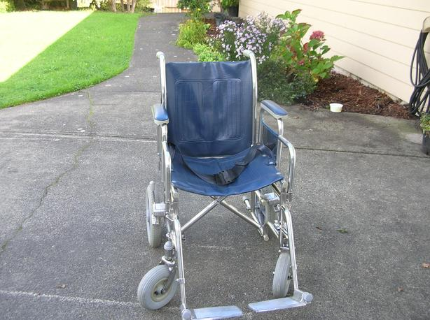 Top Longmax Aluminum Transfer Chair.  (261 0904)