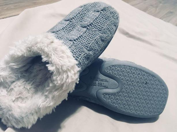 Memory Foam Slippers - Size 37/6.5 - $15