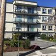 Large Bright  2 bedroom apartment Renovated Fairfield