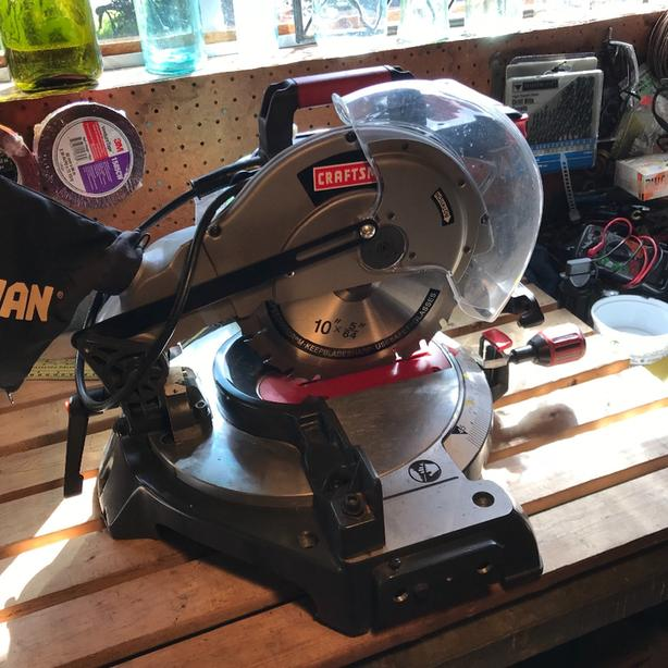 craftsman compound MITRE SAW - as new, complete used once