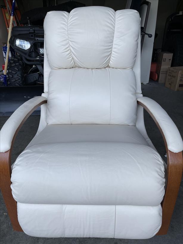 La-z-boy leather rocking recliner chair