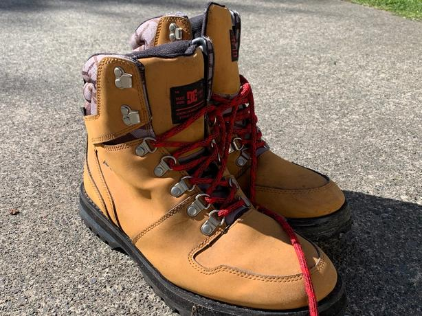 DC boots 9 1/2