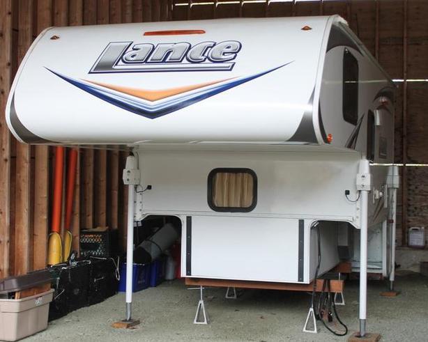 2014 Lance 865 Camper