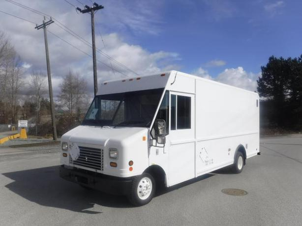 2006 Ford Econoline E-450  Utilimaster 16 Foot Cargo Van