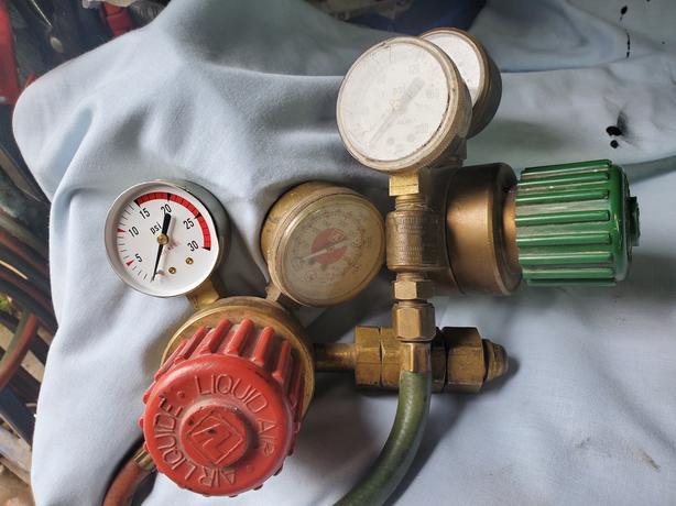 Oxy acetylene welding regulators