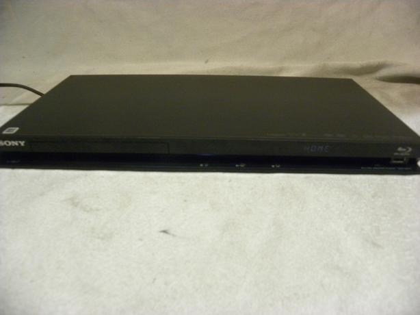 #174067-1 Sony Blu ray disc player