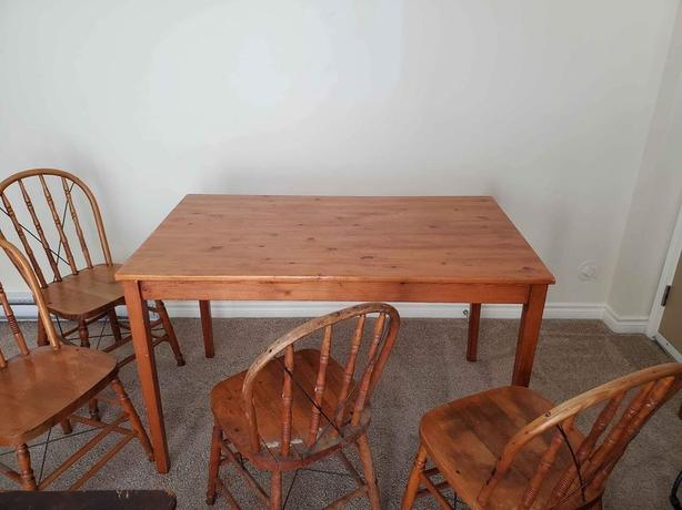 Pine Table with 4 Antique Oak Chairs