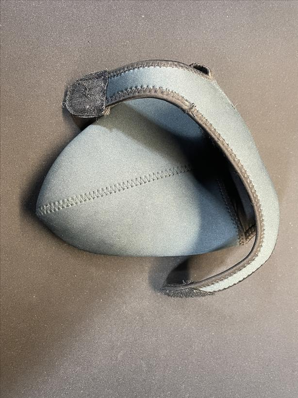 Soft camera pouch