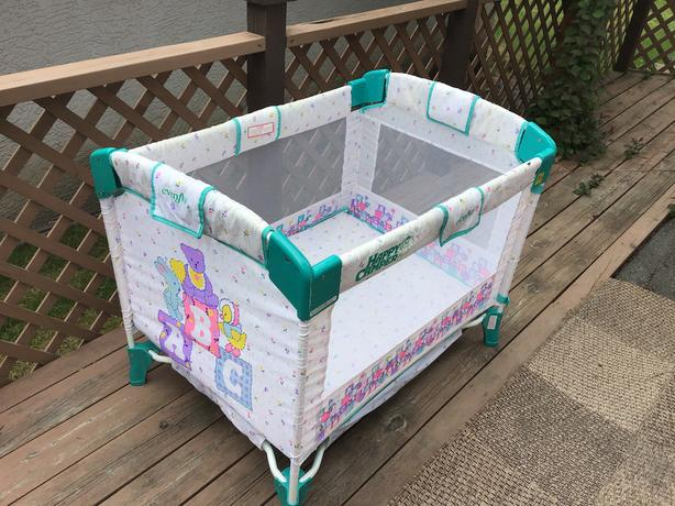 Evenflo collapsible playpen in like new condition