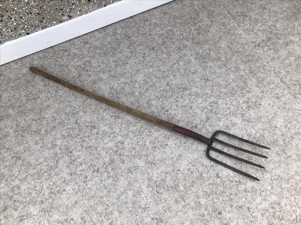 Garden Yard Long Handled Pitch Fork