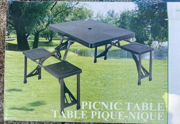 Foldaway picnic table