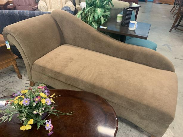 Chaise/Fainting Couch