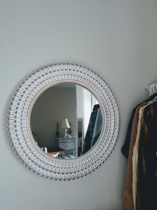 Champagne/White Round Sculpted Mirror