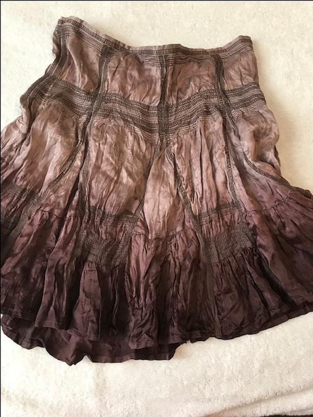 Guess silk skirt
