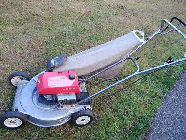 """Honda 21"""" self propelled lawn mower"""