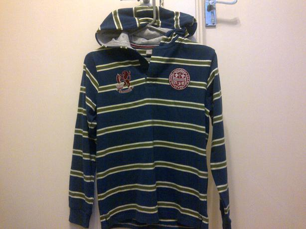 £3.50 brand new 12yrs long sleeved thick hooded rugby football club top