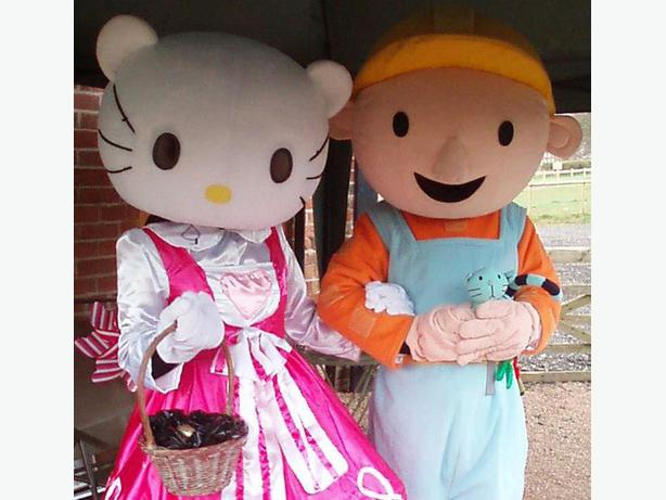 £25 HIRE BOB THE BUILDER HELLO KITTY ADULT MASCOT FANCY DRESS COSTUMES HIRE RENT
