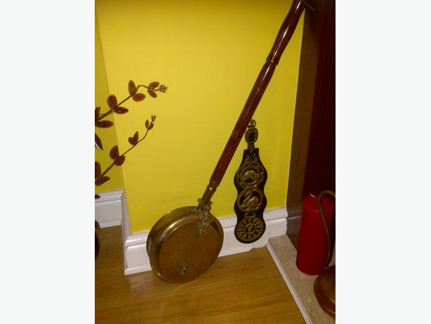 Antique Brass With Mahogony Handle Nut Roaster