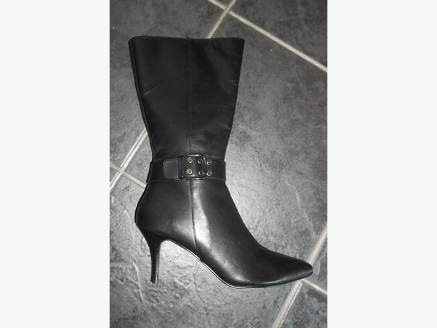 Faith ladies black leather boots, size 7