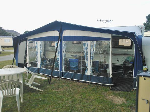 Bradcot Classic Awning Size 1020cm 2005 Model In Blue Outside Black Country Region Wolverhampton