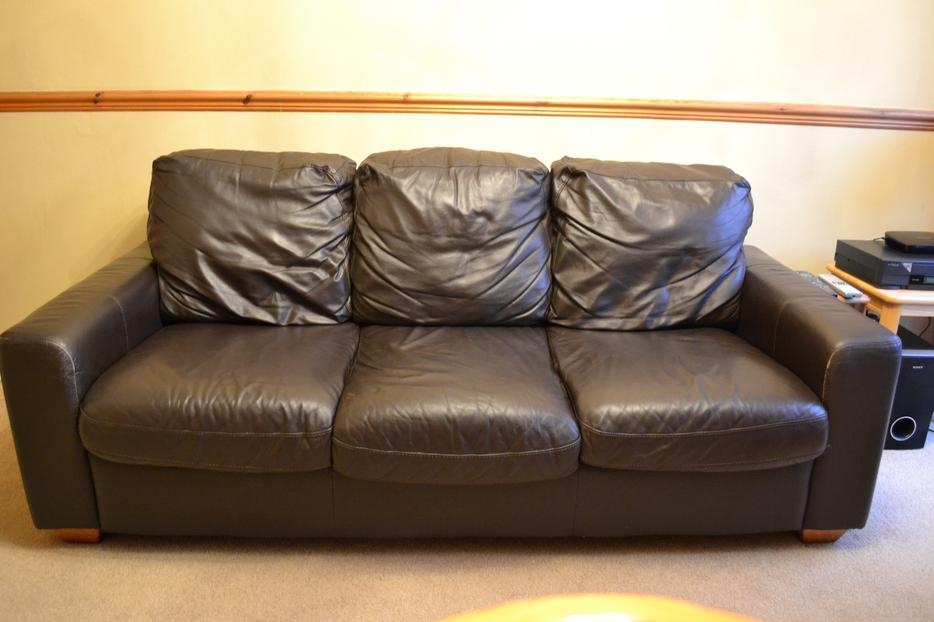 Brown Leather Sofa 32 Suite Excellent Condition ONO  : 103728199934 from usedwolverhampton.co.uk size 934 x 622 jpeg 56kB
