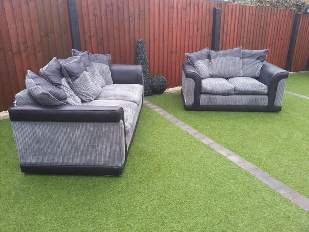 Bargain 3 2 seater chunky corduroy black grey sofa for Grey corduroy sofa