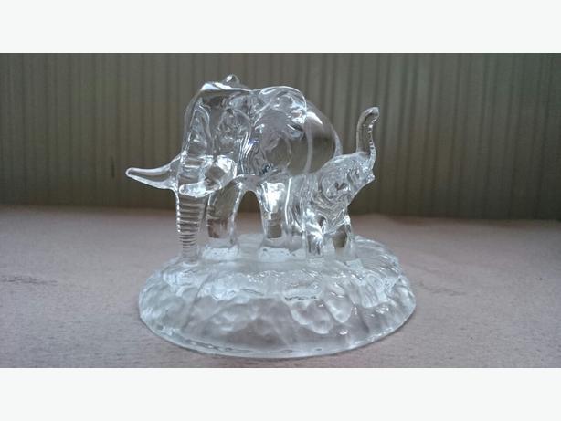 Unique Crystal Cut Glass Animals Elephant Figurine