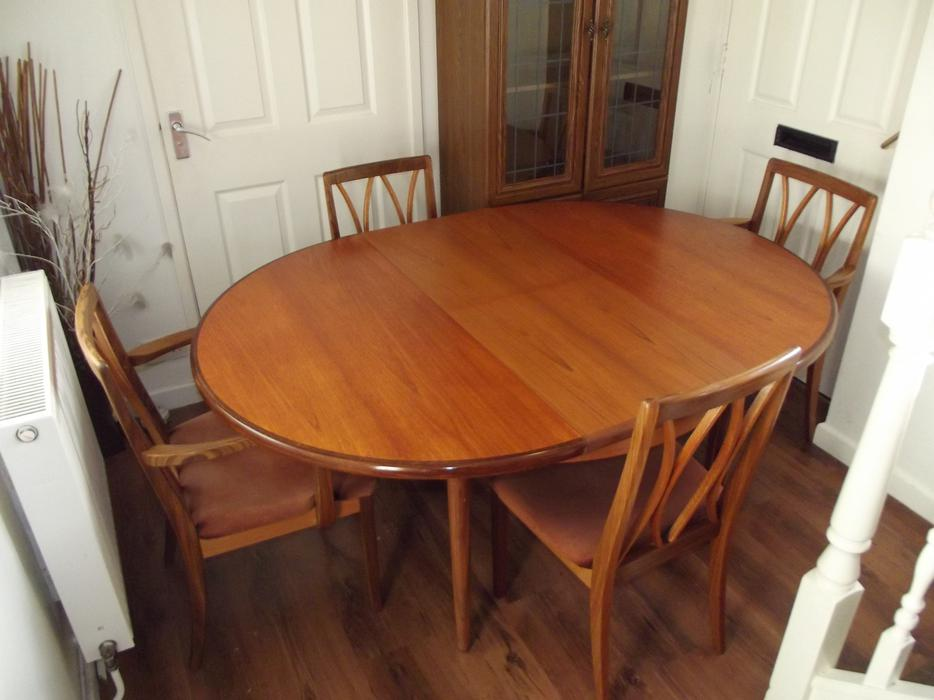 g plan retro dining table and chairs walsall wolverhampton. Black Bedroom Furniture Sets. Home Design Ideas