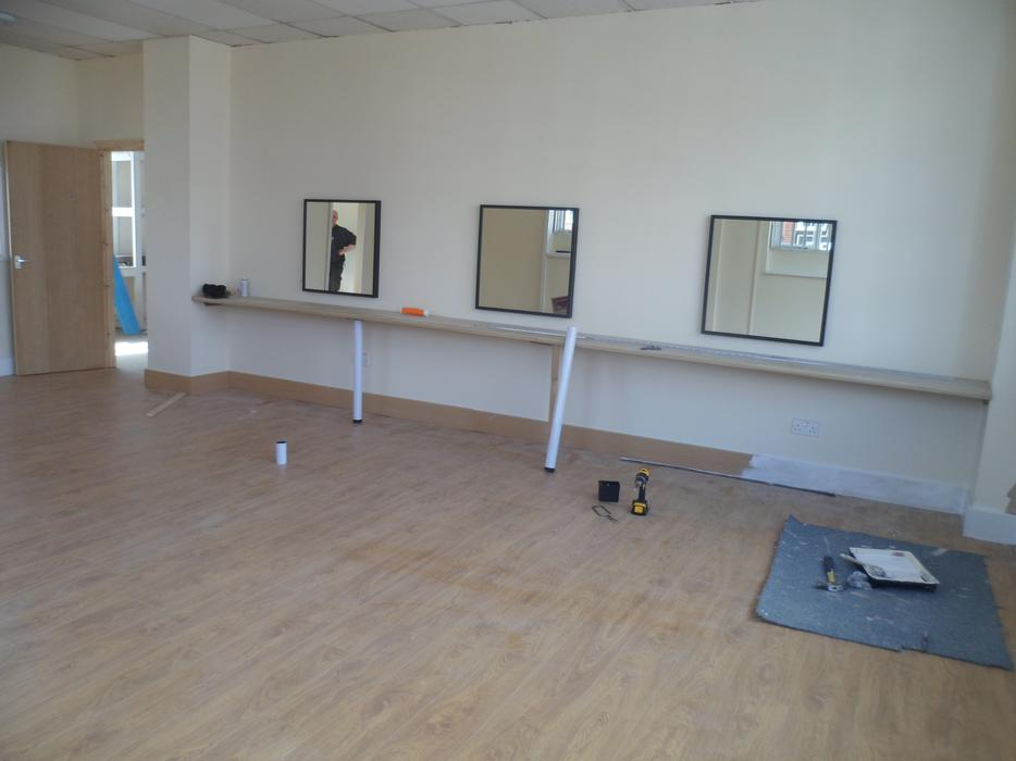 Beauty hair salon room to rent in a ladies only gym