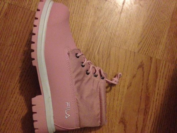 2d172df3f7f9 Womens Pink Fila Boots Size 6(new) Wednesbury
