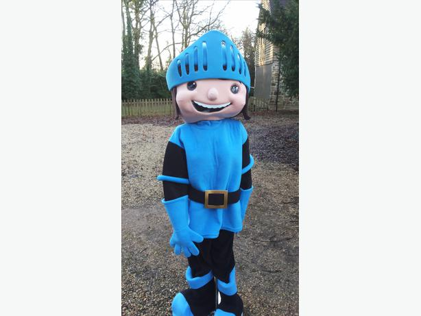 £35 MIKE THE KNIGHT ADULT MASCOT FANCY DRESS COSTUME HIRE WE DELIVER