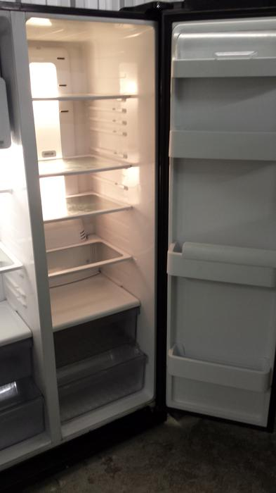 Samsung Rsh1dbbp American Style Fridge Freezer With 6
