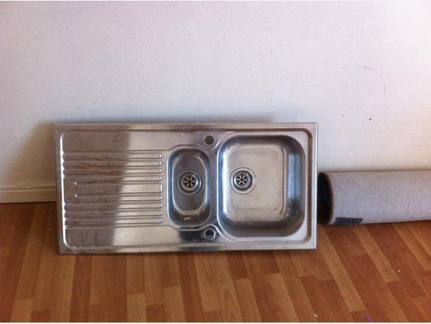 Stainless steel sinks for sale used but very good condition ?5 each!