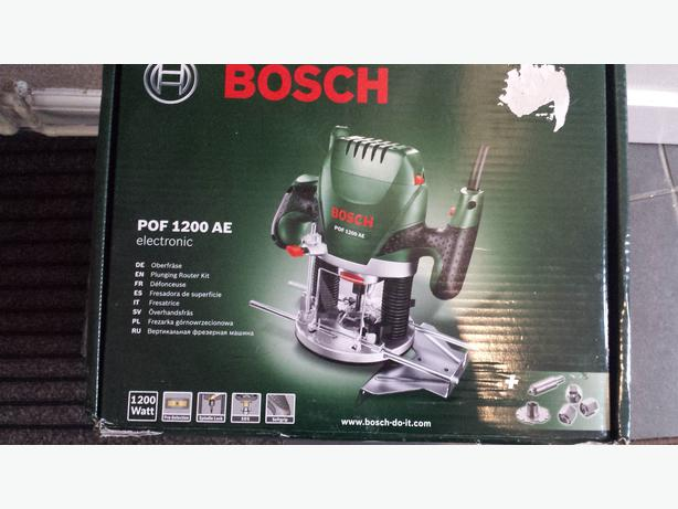 bosch pof 1200ae 1 4 plunge router 1200w 240v brand new wednesbury dudley. Black Bedroom Furniture Sets. Home Design Ideas
